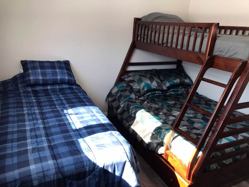 Bedroom 3 (Double Bed & 2 Singles)